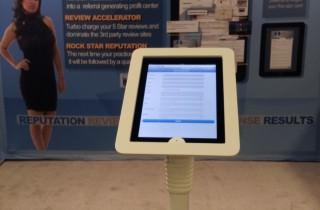 業務用iPad盗難防止スタンド_エグゼクティブ・スマートフロアスタンド